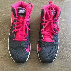 Nike Team Hustle D 7 Girls size 3